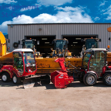 General snow removal equipment - Deneigement St-Cyr